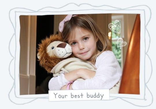 Ο καλύτερός της φίλος είναι το λιοντάρι